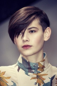 Chic Short Hairstyle To Copy Right Now16