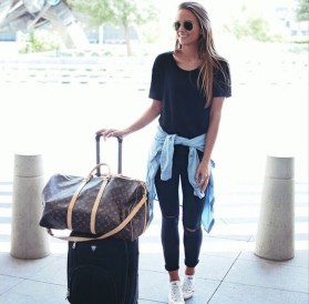 Classic And Casual Airport Outfit Ideas02