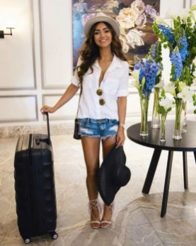 Classic And Casual Airport Outfit Ideas07