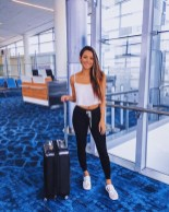 Classic And Casual Airport Outfit Ideas08