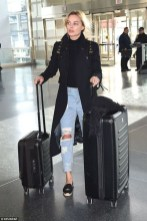 Classic And Casual Airport Outfit Ideas21