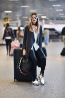 Classic And Casual Airport Outfit Ideas29
