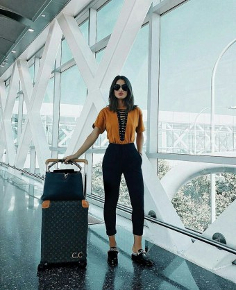 Classic And Casual Airport Outfit Ideas35