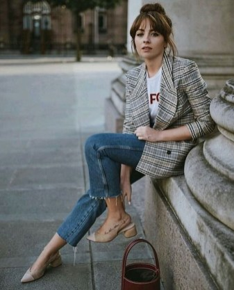 Elegant Fall Outfits Ideas To Inspire You17