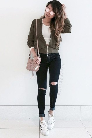 Fabulous And Fashionable School Outfit Ideas For College Girls13