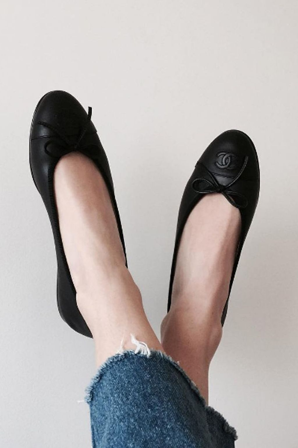 Magnificient Summer Outfit Ideas With Black Flats18