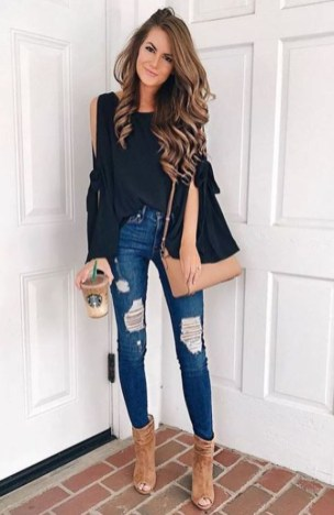 Stunning Fall Outfits Ideas To Update Your Wardrobe33