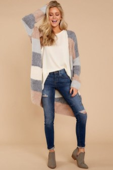Unique Ways To Wear A Cardigan This Fall10