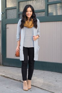 Unique Ways To Wear A Cardigan This Fall40