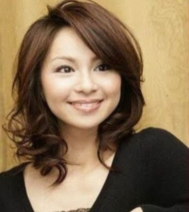 Awesome Haircuts Ideas For Round Face16