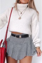Charming Winter Outfits Ideas High Waisted Shorts21