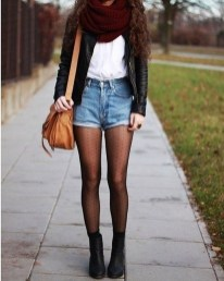 Charming Winter Outfits Ideas High Waisted Shorts26