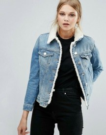 Delightful Winter Outfits Ideas Denim Jacket29