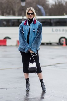 Delightful Winter Outfits Ideas Denim Jacket34