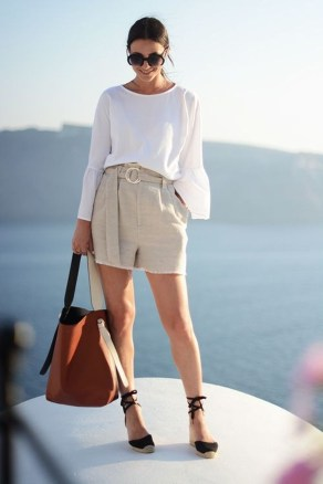 Perfect Wearing Summer Shorts Ideas25