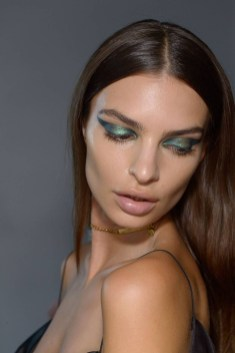 Popular Shimmer Summer Makeup Ideas08
