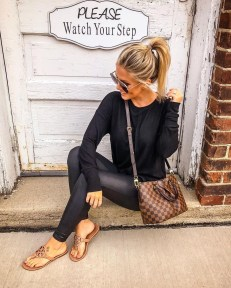 Popular Winter Outfits Ideas Leather Leggings02