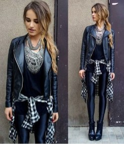 Popular Winter Outfits Ideas Leather Leggings20