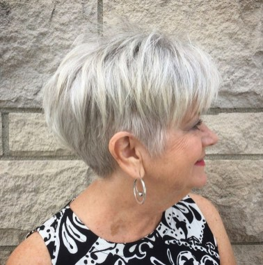 Pretty Grey Hairstyle Ideas For Women33