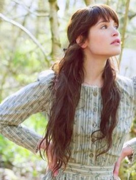 Pretty Hairstyle With Bangs Ideas15