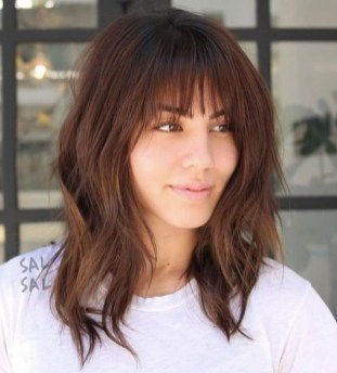Pretty Hairstyle With Bangs Ideas25
