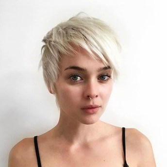 Pretty Hairstyle With Bangs Ideas27