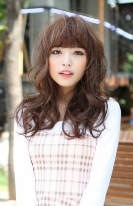 Pretty Hairstyle With Bangs Ideas32