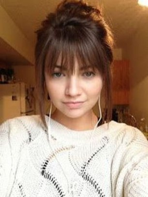 Pretty Hairstyle With Bangs Ideas35