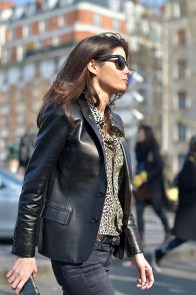 Pretty Winter Outfits Ideas Black Leather Jacket11