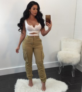 Pretty Winter Outfits Ideas High Waisted Pants01