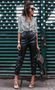 Pretty Winter Outfits Ideas High Waisted Pants32