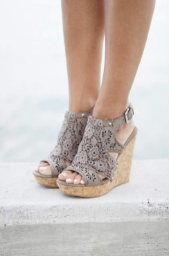 Stunning Spring Outfit Ideas With Wedges01