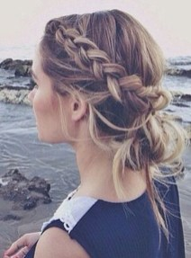 Stunning Summer Hairstyles Ideas For Women05