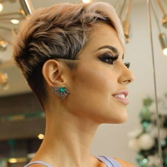 Stunning Summer Hairstyles Ideas For Women34