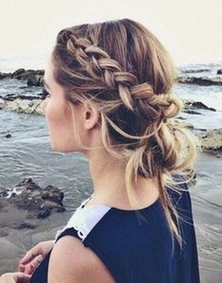 Stunning Summer Hairstyles Ideas For Women41