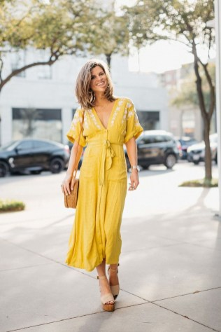 Wonderful Midi Skirt Outfit Ideas For Spring And Summer 201819