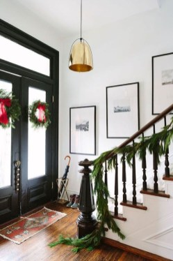 Affordable Winter Christmas Decorations Ideas06