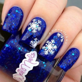 Astonishing Christmas Nail Design Ideas For Pretty Women02