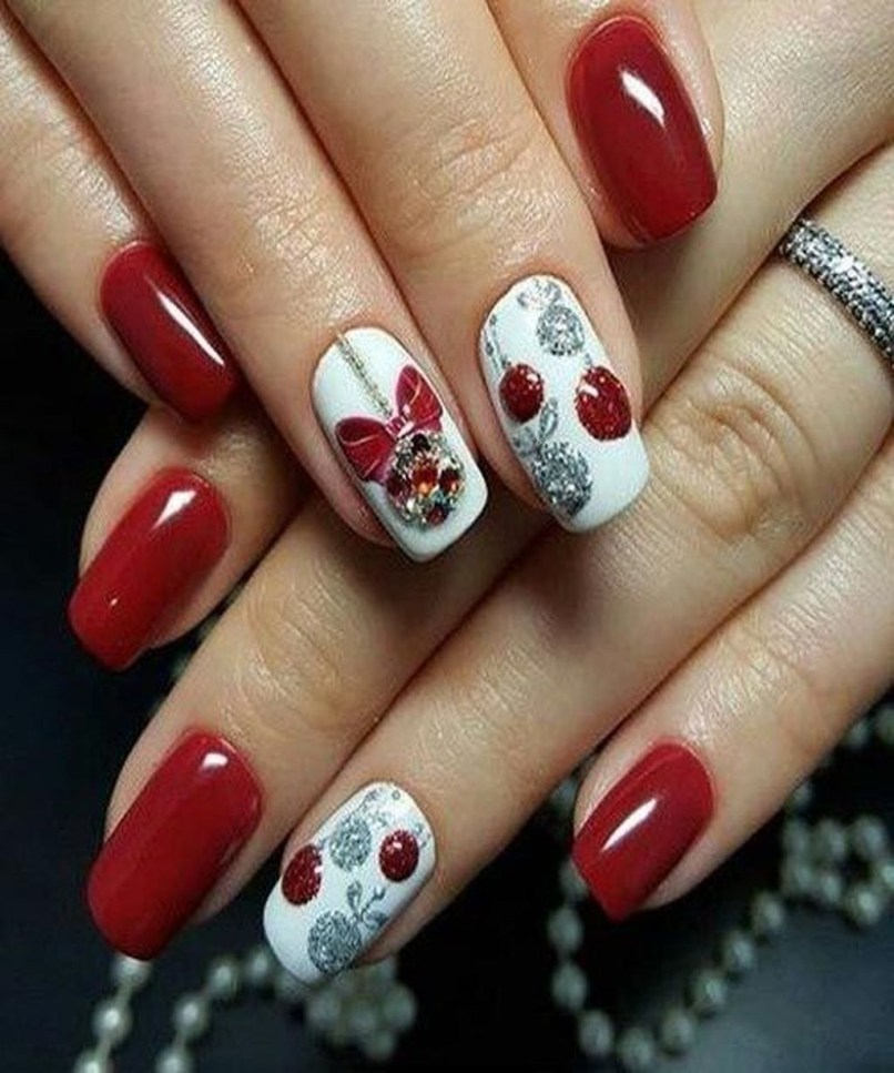 Astonishing Christmas Nail Design Ideas For Pretty Women18
