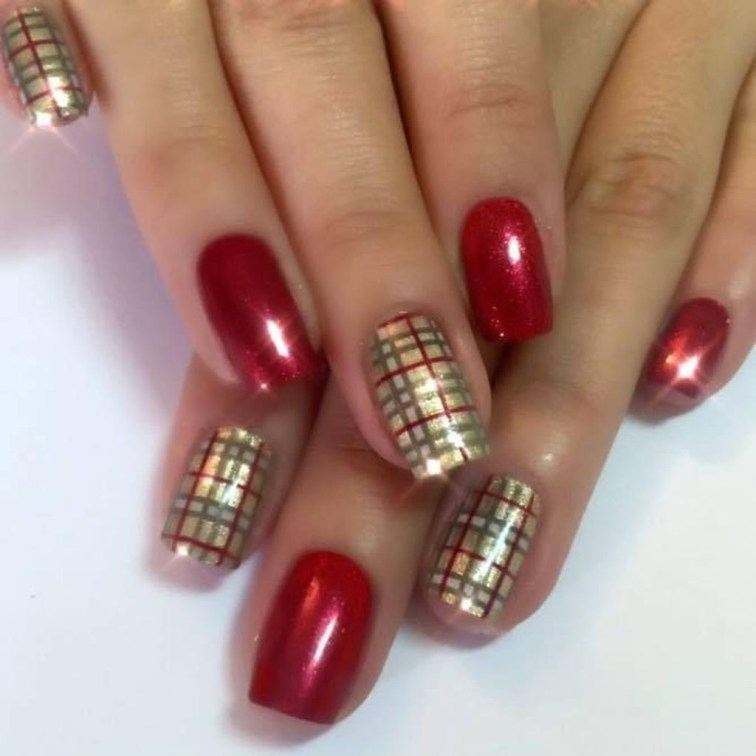 Astonishing Christmas Nail Design Ideas For Pretty Women27