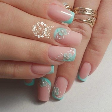 Astonishing Christmas Nail Design Ideas For Pretty Women29