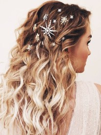 Awesome Hairstyles Christmas Party Ideas21