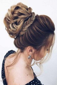 Awesome Hairstyles Christmas Party Ideas22