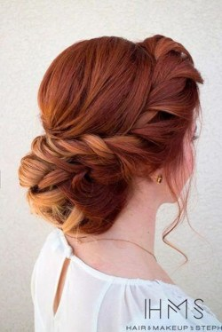Casual Christmas Updos Ideas18