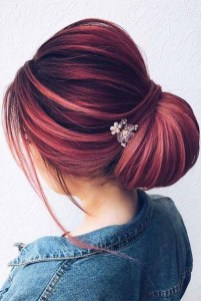 Casual Christmas Updos Ideas34