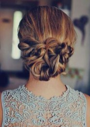 Casual Christmas Updos Ideas44