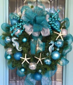 Casual Winter Themed Christmas Decorations Ideas11