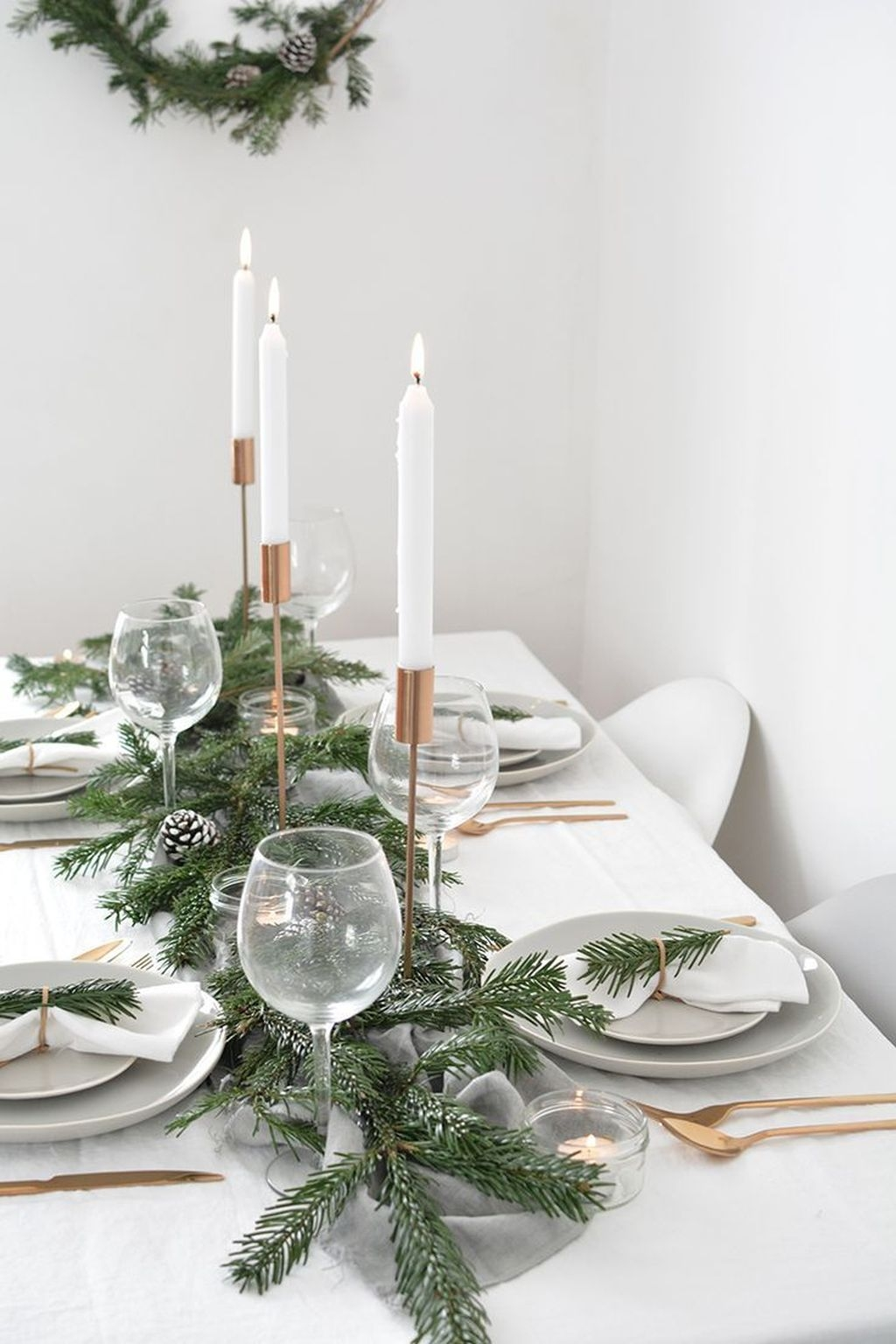 Casual Winter Themed Christmas Decorations Ideas19