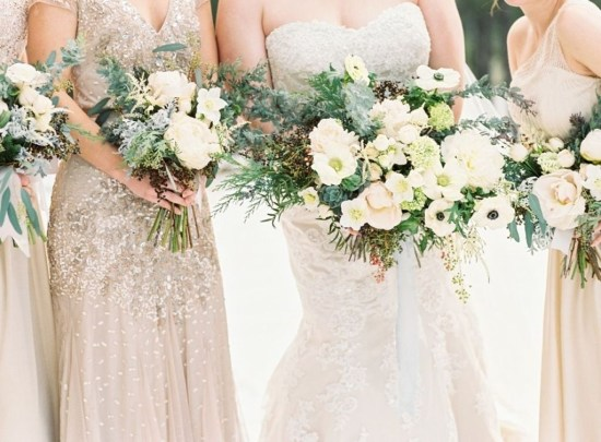 Casual Winter White Bouquet Ideas17