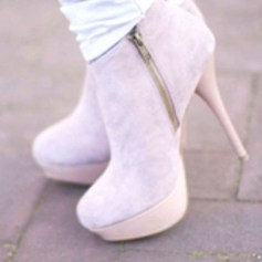 Charming Christmas Heels Ideas For Cute Women15